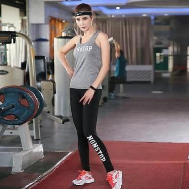 品質款女士運動健身套裝背心運動跑步套裝彈力修身速干健身瑜伽服